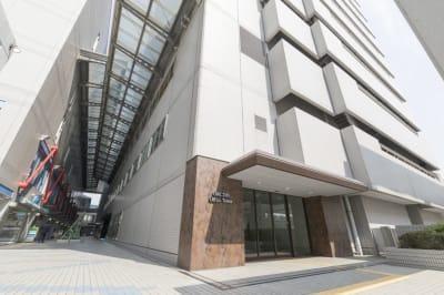 大阪ベイタワ― 6名用貸会議室の入口の写真