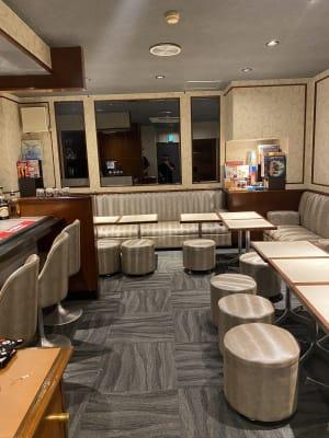客席 - ZeyoQ新宿歌舞伎町店 カフェバー、ゲームボードスペースの室内の写真