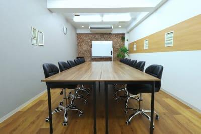 会議Style - 【L⇔R赤羽】L・ROOM 多目的スペースの室内の写真