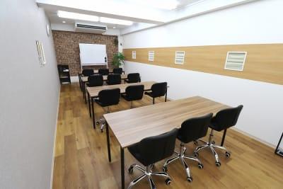 セミナー・勉強会Style - 【L⇔R赤羽】L・ROOM 多目的スペースの室内の写真