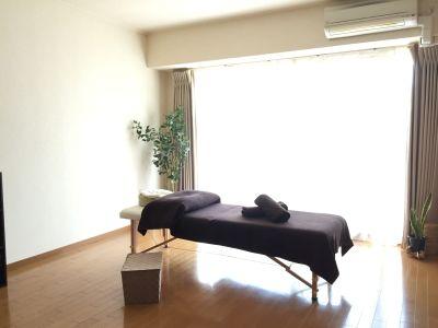 LQ南森町プライベートサロン Room11 完全個室プライベートサロンの室内の写真
