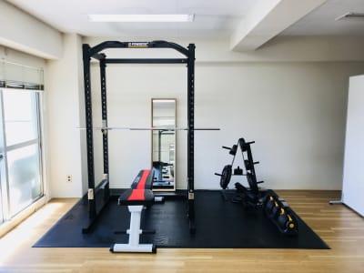 TRANSISTA トレーニングスペースの室内の写真