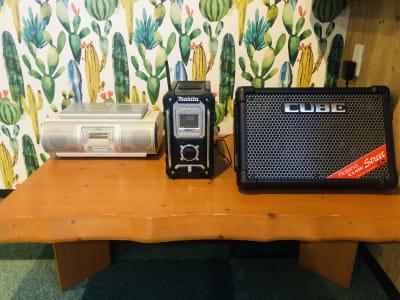 Bluetooth対応スピーカー完備。CDコンポ、マイク付きアンプ無料貸し出し♪(要予約) - Emon's chouchou イベントスペース、ダンススタジオの設備の写真