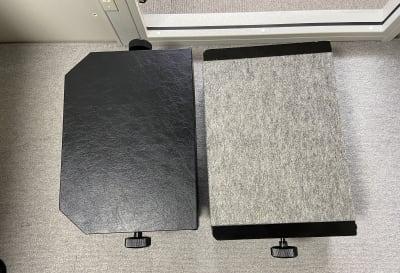 小さいお子様用の足台は2つあります。 - パウゼ音楽教室 レンタル練習室(ピアノ)の設備の写真