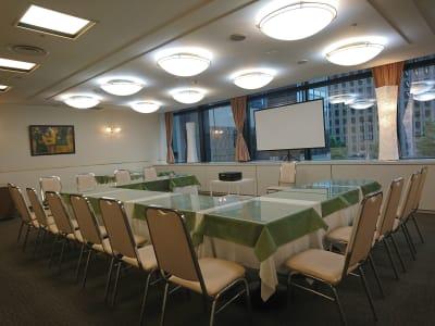 お部屋イメージ - レンタルスペースアゴラ新宿西口 多目的スペースの室内の写真