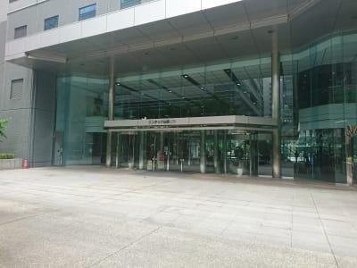 入口 - レンタルスペースアゴラ新宿西口 多目的スペースの外観の写真