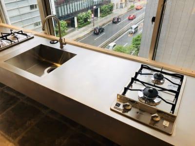 1500幅 2口コンロキッチン(有料)   3台 - 日本橋キッチンスタジオ 菓子製造業・飲食営業許可有の設備の写真
