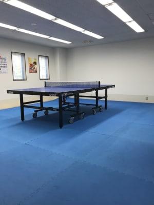 TSP 卓球台 - NDY二番町スタジオ 卓球ができるレンタルスペースの室内の写真