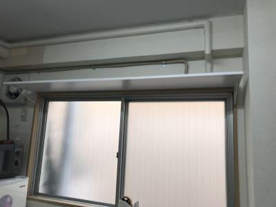 換気扇 喚起窓 窓には柵が無いので注意してください。 - 南浦和駅東口徒歩5分レンタサロンの室内の写真