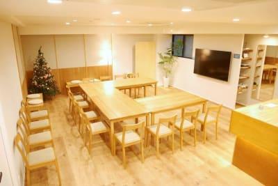レイアウト例:コの字型 - FINEDAY浜松町 レンタルスペースの室内の写真