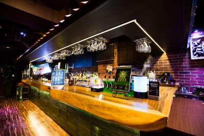 グレースバリ上野公園前店  スリーモンキーズカフェ上野店の室内の写真