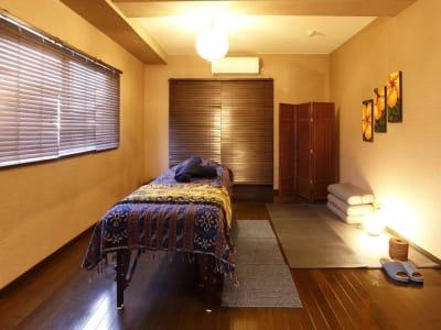 個室全体 - バリ風サロン・アルバローザ シェアサロン、スペースの室内の写真