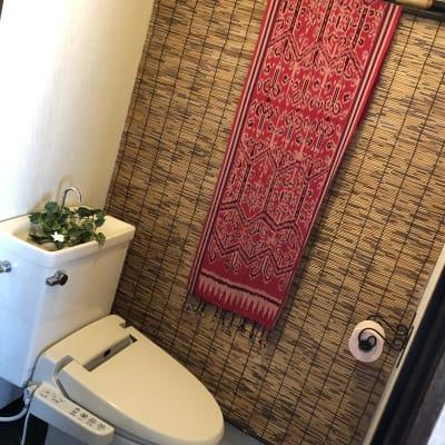 トイレ - バリ風サロン・アルバローザ シェアサロン、スペースの室内の写真