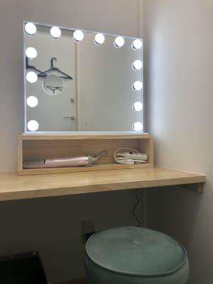 [オプション]コスプレイヤーさんのためのメイク・着替え部屋 - パーティーピーポー 多目的スペースの室内の写真