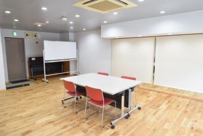 打ち合わせ、ミーティング、面接に - コスモコート レンタルスペースの室内の写真