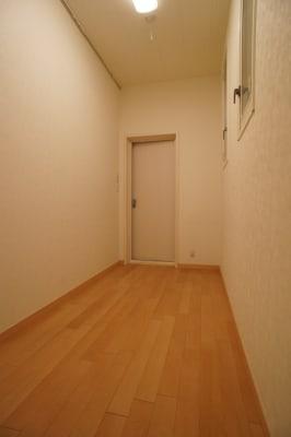 部屋奥側より - 防音サロン Bright レッスンルームの室内の写真