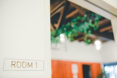 KOU  R1パーティやイベント・小会議にの室内の写真