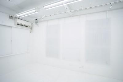 SHOWCASE ショールーム・個展・販売・展示等の室内の写真