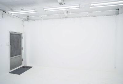 SHOWCASE ショールーム・個展・販売・展示等の入口の写真