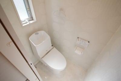 トイレ - CocoConne 福岡西新2 キッチン付完全貸切個室 はなれ2の室内の写真