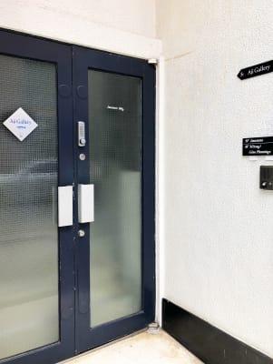 【アジギャラリー】ビル入り口 - アジギャラリー 多目的スペース の入口の写真