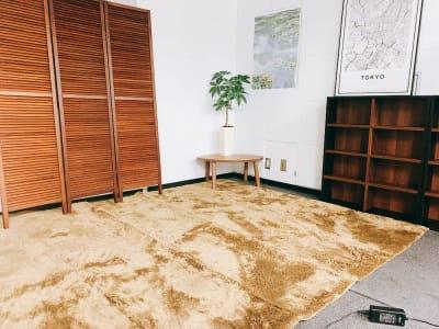 お部屋風にお使いいただけます(^^♪ - 【新宿】知恵の場オフィス 別館 駅近徒歩7分 貸し撮影スタジオ!の室内の写真