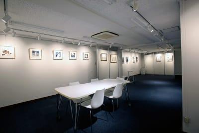アジギャラリー 多目的スペース の室内の写真