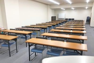 難波・日興ビルB2F(スクール形式) - SMG/ 難波・日興ビル B2F会議室の室内の写真
