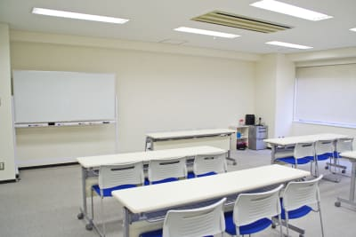 キューホー江坂ビル 2F(スクール形式) - SMG/キューホー江坂ビル 2F会議室の室内の写真