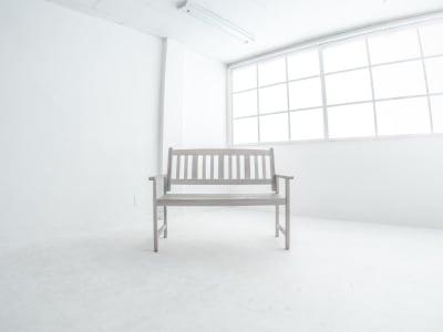 【Bフロア】 白ホリで別次元レベルな白空間を。 - 撮影スタジオ【とらんばねーろ】 撮影スペースの室内の写真