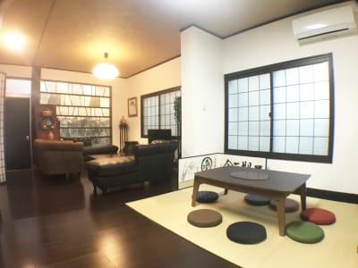 1Fのリビングルーム(1)(2) - pink building レンタルスペースの室内の写真