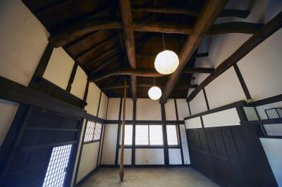 土間 - 甘糟屋敷 庭園付き日本建築の室内の写真