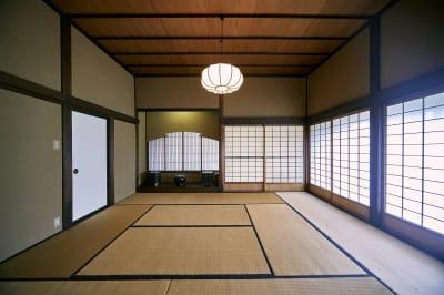 和室10畳 - 甘糟屋敷 庭園付き日本建築の室内の写真