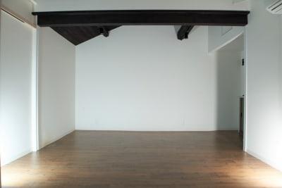 洋室部分約8畳 - Studio lamipass レンタルスタジオスペースの室内の写真