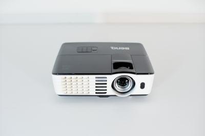 プロジェクターあり。HDMIケーブルも貸し出し致します。 - Studio lamipass レンタルスタジオスペースの設備の写真