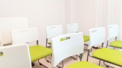 レイアウト例(椅子のみのスタイル) - SF京都四条烏丸サテライトの室内の写真