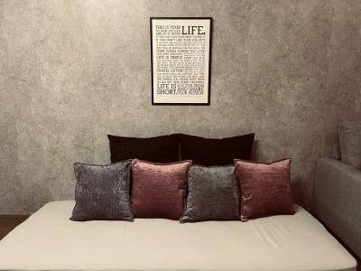 マットレスでほっこり♡疲れを癒してくださいね。 - 〈SMILE+〉 Moon梅田 レンタルスペース、パーティルームの室内の写真
