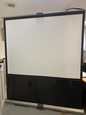 スクリーン(無料オプション) - 貸し会議室の設備の写真