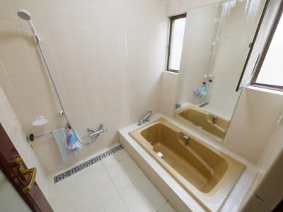 オプションで付けられるバスルーム - 祐天寺アトリエ2F 10畳B部屋 レンタルサロン・レッスンルームの設備の写真