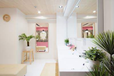 オプションでシャワールームもお使い頂けます - Feel Osaka Yu 【超高速WiFi】快適お仕事部屋の室内の写真