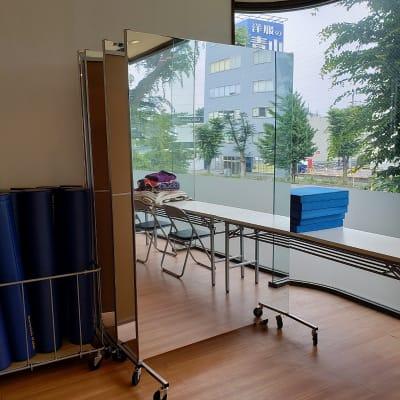 移動式鏡 - 菜の花くらぶ 菜の花スタジオの設備の写真