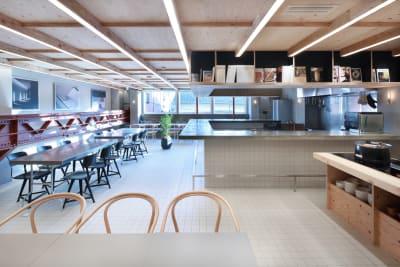 Cafe Pak-pon 多目的スペースの室内の写真