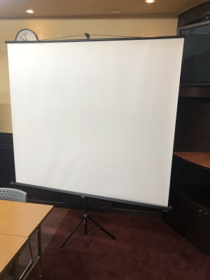 スクリーン 使用料500円 - トキワサロン トキワサロン 非営利会議用途以外の設備の写真