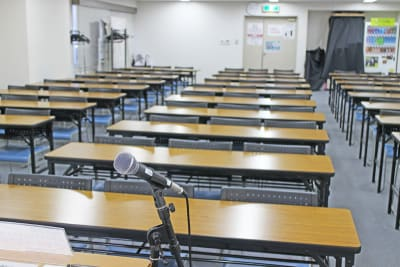 四ツ橋・近商ビル10A(スクール形式) - SMG/ 四ツ橋・近商ビル 90名用セミナールーム(10A)の室内の写真