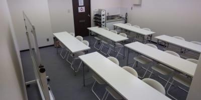 教室、講習会などのレイアウトに標準でしています。 - レンタルスペース【プリミナ】 池袋レンタルスペースの室内の写真