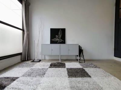 モノトーンの家具類。 - THINK SPACE 東京 モノトーン撮影Aスタジオの室内の写真