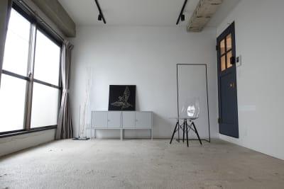 6.6x3.7メートル - THINK SPACE 東京 モノトーン撮影Aスタジオの室内の写真