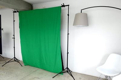 緑と黒もあります。 - THINK SPACE 東京 モノトーン撮影Aスタジオの室内の写真