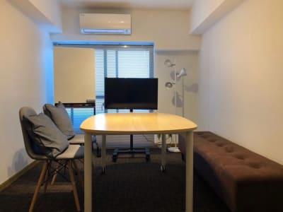 GL JIYUGAOKA meeting roomの室内の写真