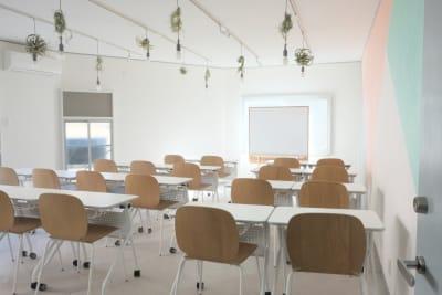 最大20席でご利用いただけます - コトノハ梅小路 多目的スタジオ/貸し会議室の室内の写真